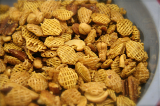 Sue's Chex Mix Recipes from the Bartholomew Buffet - bbuffet.com